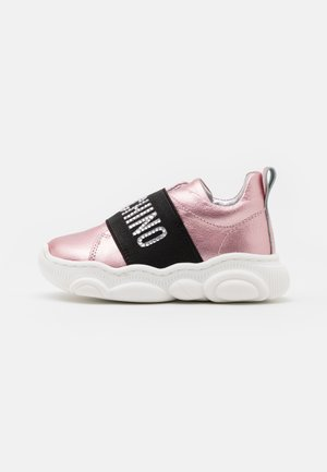 Trainers - light pink