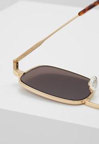rag & bone - Sluneční brýle - gold-coloured - 4