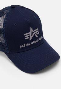 Alpha Industries - BASIC TRUCKER UNISEX - Cap - blue - 3