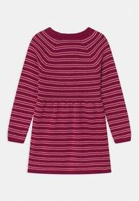 s.Oliver - Pletené šaty - berry - 1