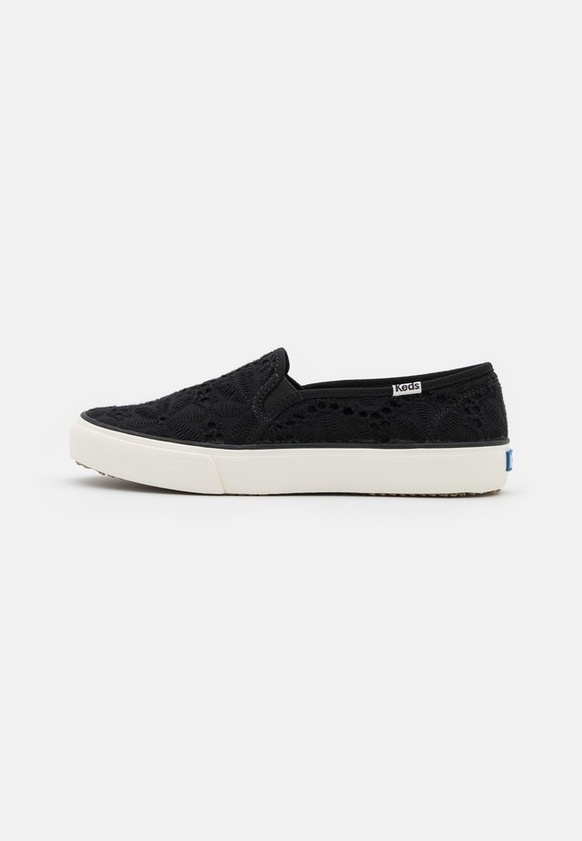 DOUBLE DECKER EYELET - Sneakersy niskie - black