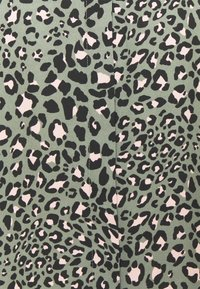 New Look Curves - LEO LEOPARD PRINTED - Button-down blouse - green - 6