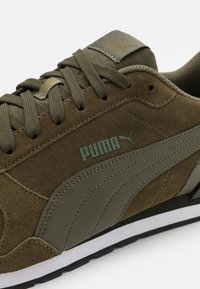 Puma - ST RUNNER UNISEX - Trainers - burnt olive/forest night - 5
