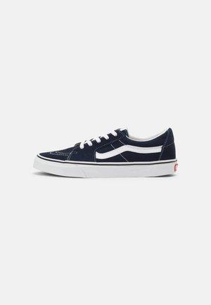 SK8-LOW UNISEX - Skateschoenen - dress blues/true white