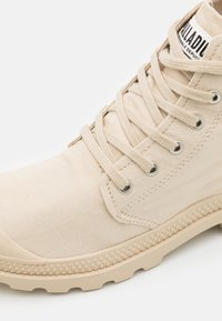 Palladium - PAMPA ORGANIC II UNISEX - Høye joggesko - light sand - 5