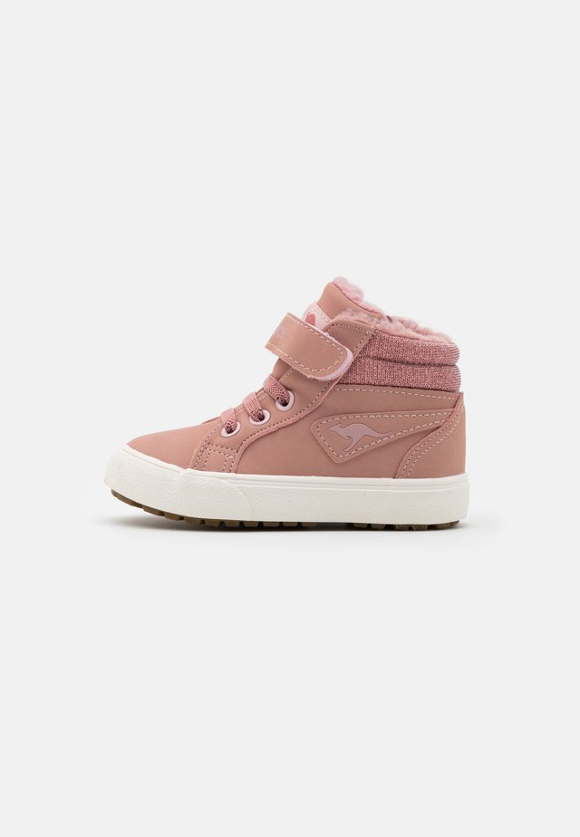 KAVU III - Sneakersy wysokie - dusty rose/frost pink
