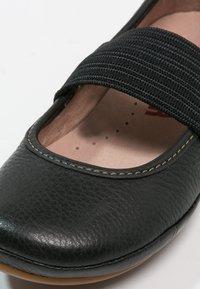 Camper - RIGHT - Ballerina's met enkelbandjes - black - 5
