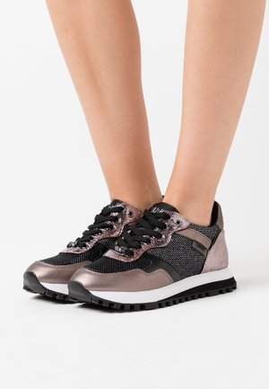 Trainers - pewter