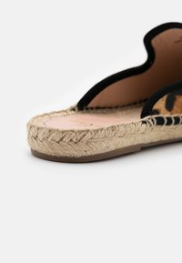 J.CREW - ESPADRILLE MULE - Pantofle - rich mahogany - 4
