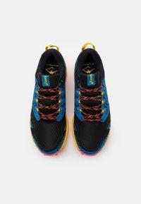 ASICS - GEL-FUJITRABUCO  - Trail running shoes - blau/orange - 3