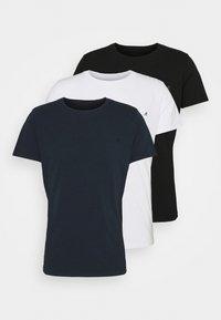 black/white/navy