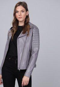 Basics and More - Leather jacket - grey - 3