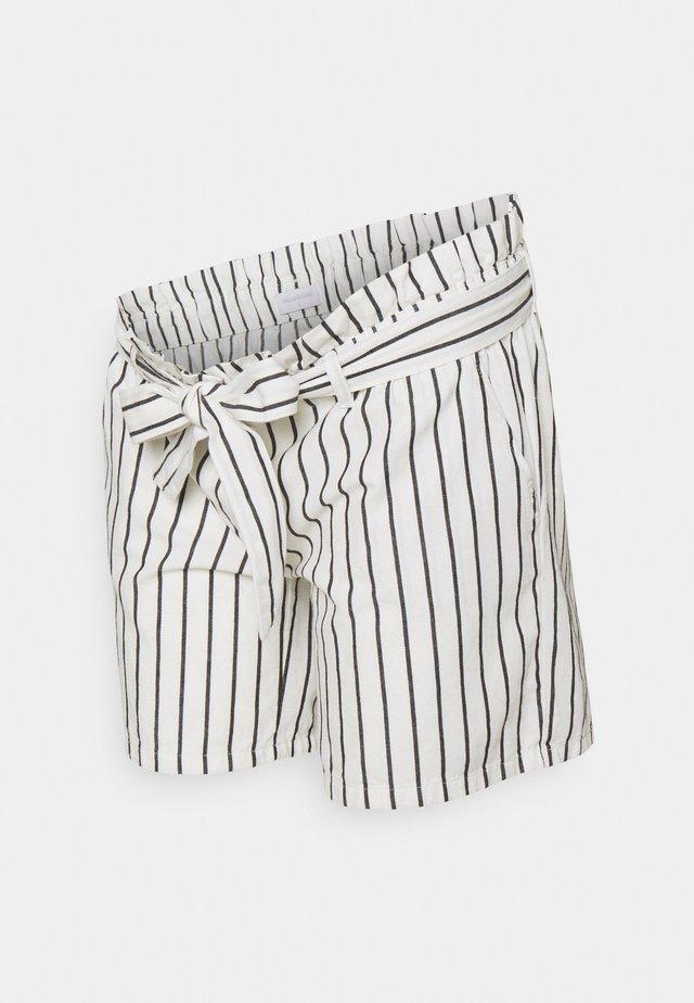 MLEMMY - Shorts - snow white/black