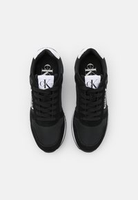 Calvin Klein Jeans - RUNNER LACEUP  - Trainers - black - 5