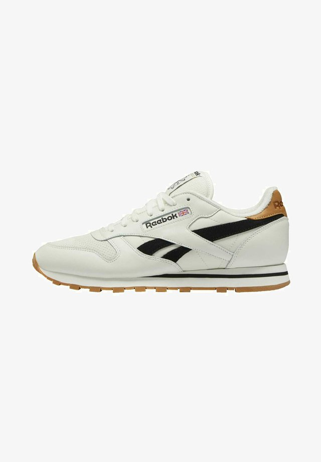 CLASSIC LEATHER SHOES - Baskets basses - white