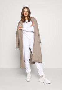 Hollister Co. - ICON CREW - Sweatshirt - white - 1