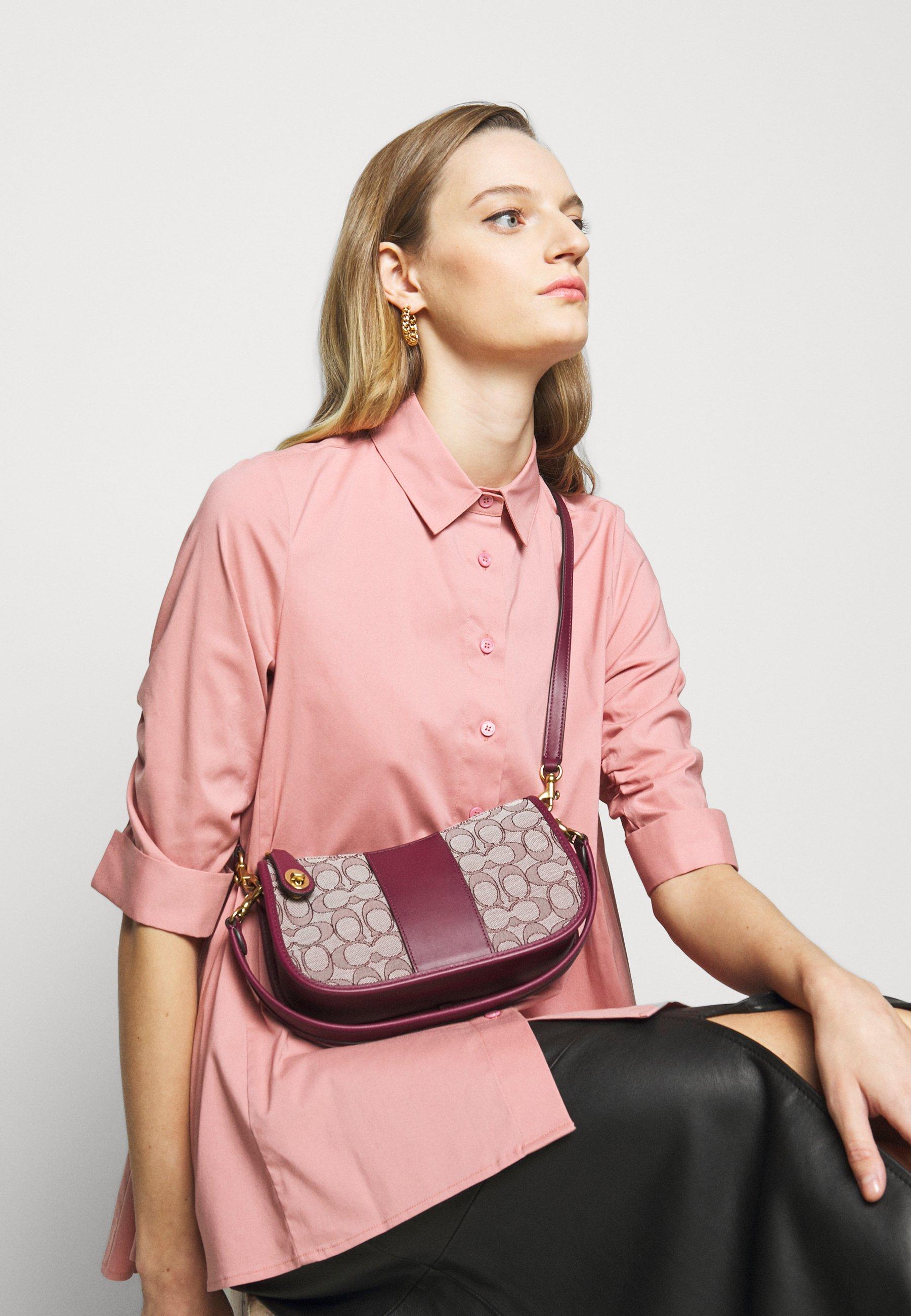 Women SIGNATURE SWINGER - Handbag