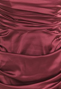 Missguided - RUCHED SWEETHEART NECK MIDI DRESS - Cocktail dress / Party dress - burgundy - 2