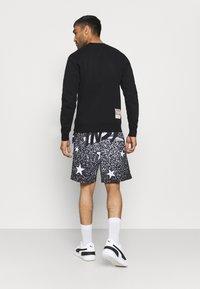 Mitchell & Ness - NBA ALL STAR ALL STAR  - Sports shorts - black - 2