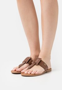Mexx - GAVIA - T-bar sandals - tan - 0