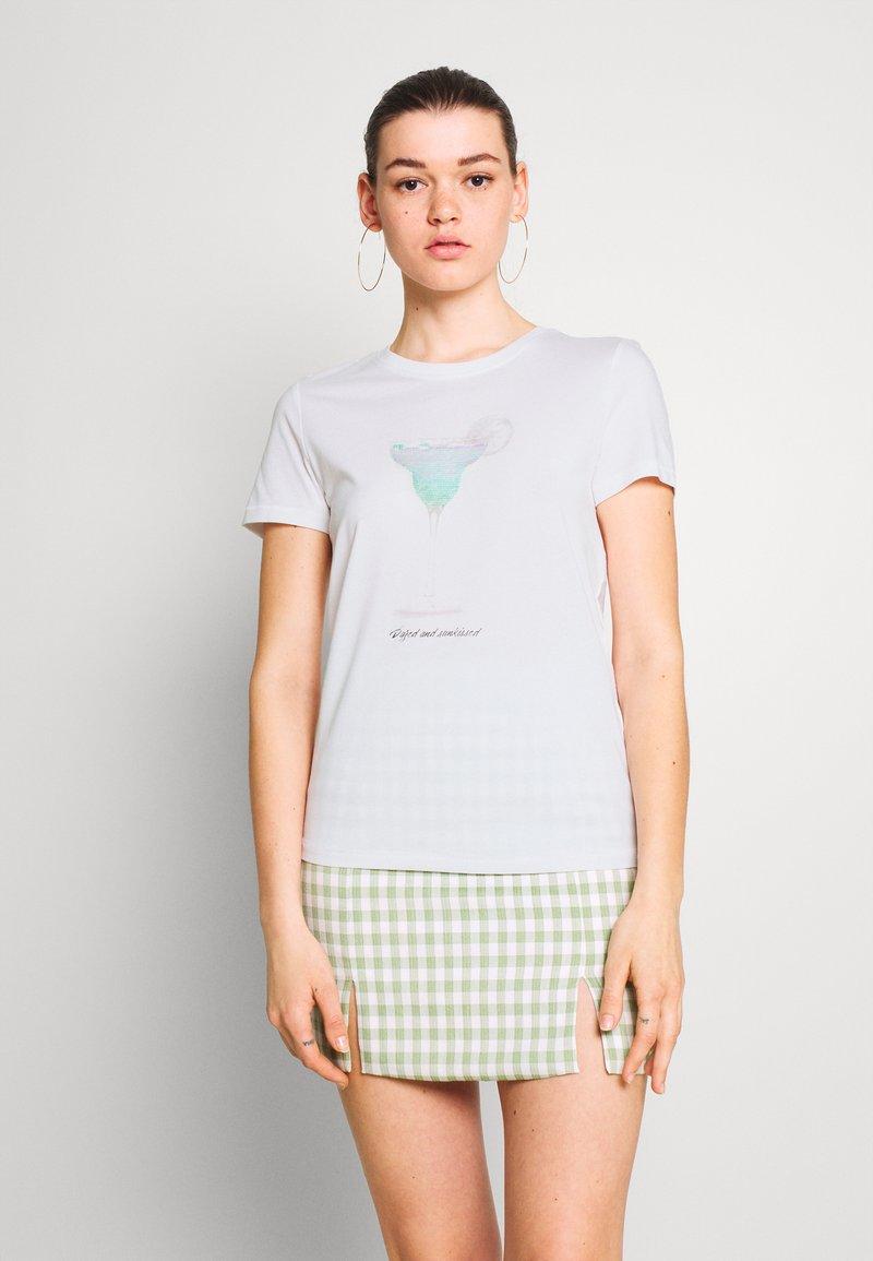 ONLY - ONLKITA LIFE BOX - T-shirts med print - bright white