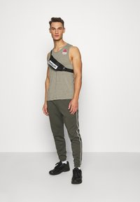 Reebok - TANK GAMES - Top - green - 1