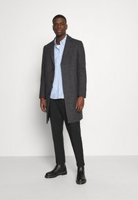 Isaac Dewhirst - BRUSHED BIRDS EYE - Classic coat - grey - 1