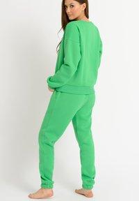 Chelsea Peers - Pyjama bottoms - green - 2