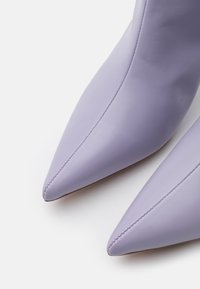 NA-KD - POINTY SHAFT BOOTS - Over-the-knee boots - lilac - 5