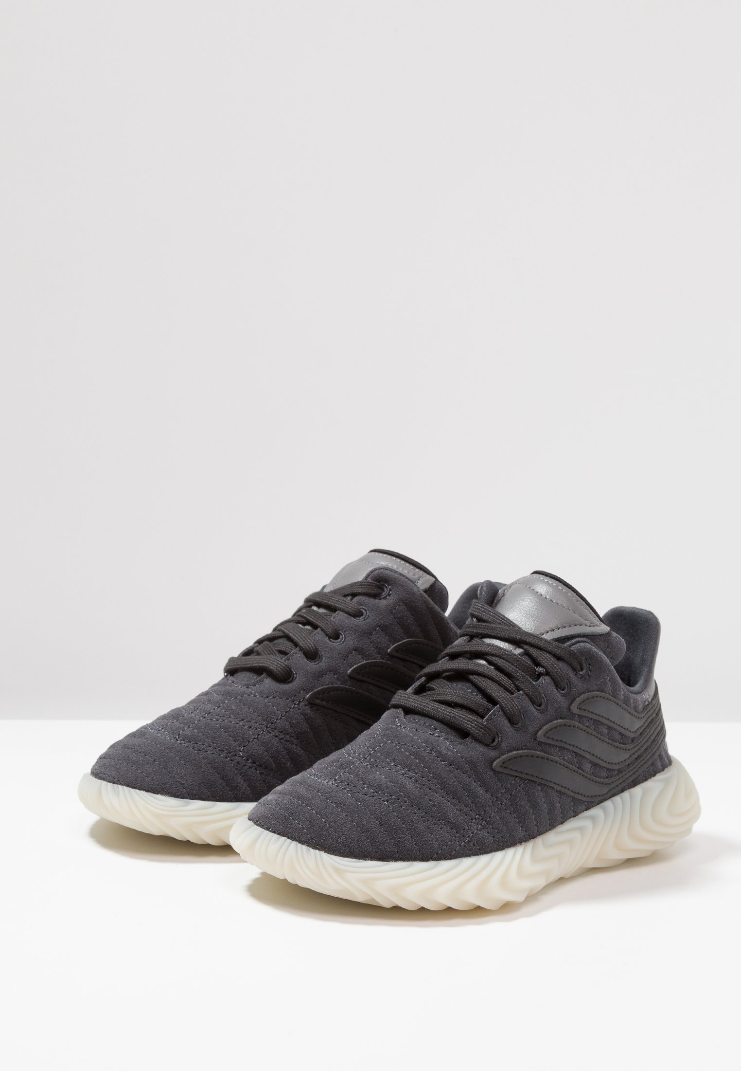 Geringster Preis adidas Originals SOBAKOV - Sneaker low - carbon/core black/fottwear white | Damenbekleidung 2020