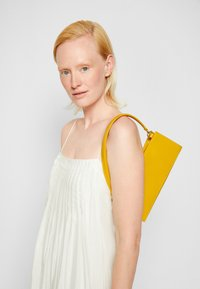 Mansur Gavriel - PENCIL BAG - Handbag - golden yellow - 5