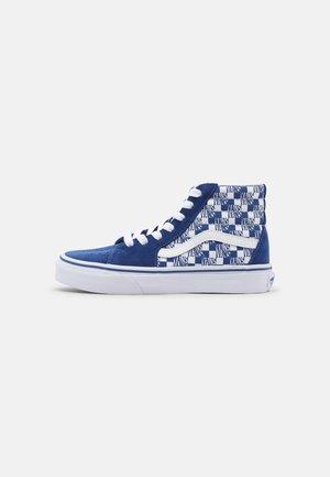 SK8 HI UNISEX - Höga sneakers - true blue/true white