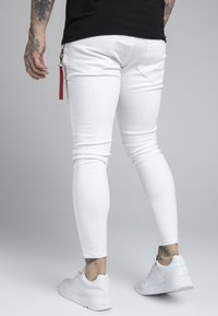 SIKSILK - DISTRESSED FLIGHT - Jeans Skinny Fit - white - 2