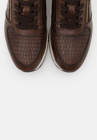 Tamaris Pure Relax - LACE UP - Trainers - cafe/croco - 5