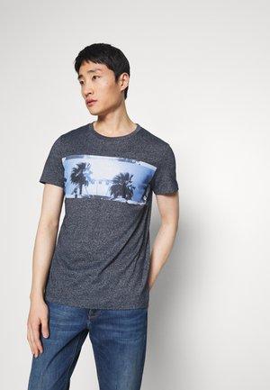 STRUCTURED FOTOPRINT - T-shirt med print - sky captain blue