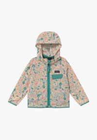 Patagonia - BAGGIES UNISEX - Outdoor jacket - prima pink - 0