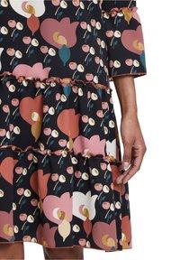 Betty Barclay - Day dress - black/rosé - 3