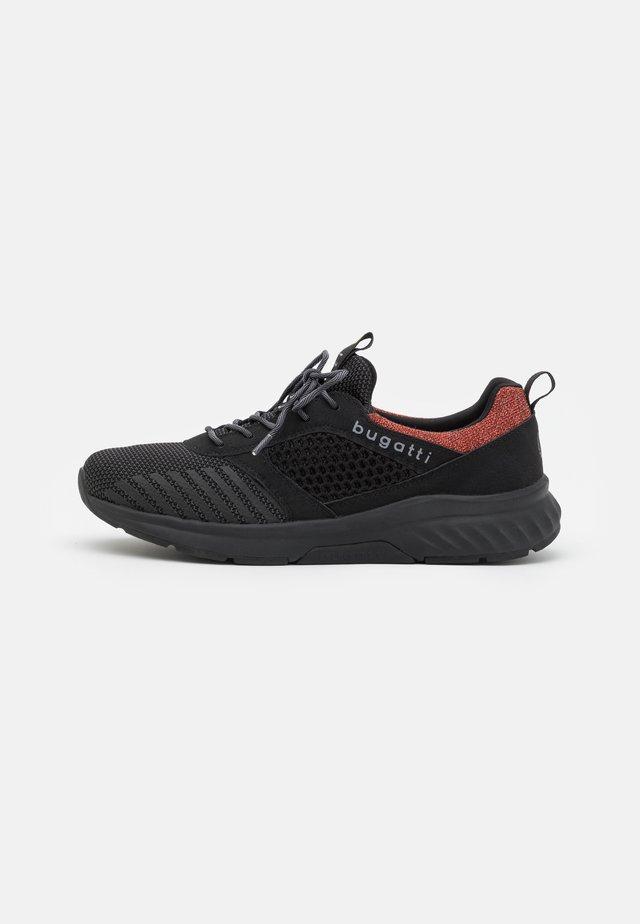 NIRVANA EXKO - Sneakersy niskie - black