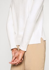 Marc O'Polo - LONGSLEEVE BASIC WITH ROUNDNECK - Jumper - off white - 5