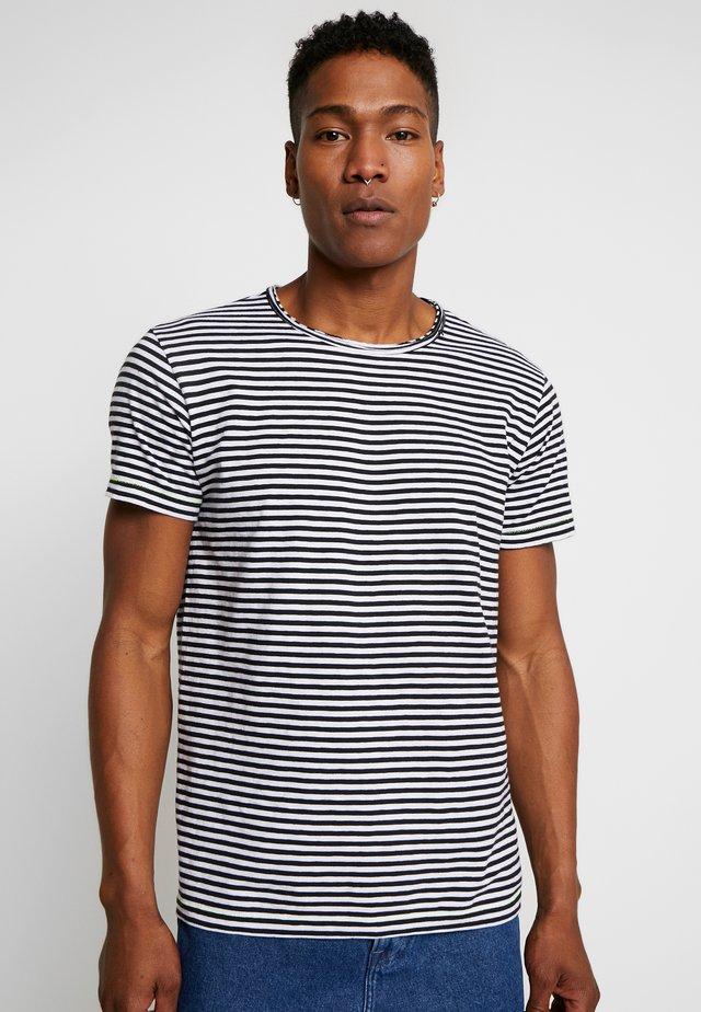T-shirt z nadrukiem - natural/black