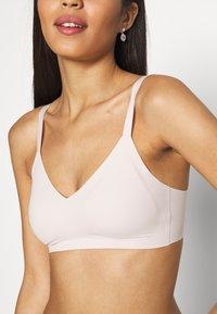aerie - REAL FREE BRALETTE - T-shirt bra - off-white - 4