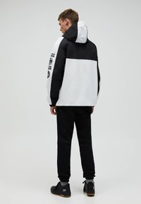 PULL&BEAR - NASA - Windbreaker - white - 2