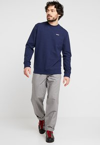 Patagonia - LABEL UPRISAL CREW  - Sweater - classic navy - 1