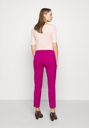 LYCETTE PANT - Pantalon classique - bright fuchsia