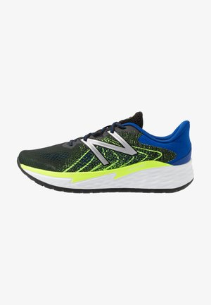 FRESH FOAM EVARE - Chaussures de running neutres - black