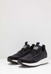 EA7 Emporio Armani - Sneakersy niskie - black - 2