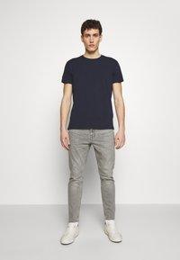 CLOSED - T-shirt basic - dark night - 1