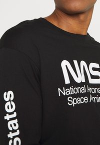 Cotton On - TBAR COLLABORATION TEE - Long sleeved top - black/nasa - space administration - 5