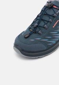 Lowa - ZIRROX GTX JUNIOR UNISEX - Hiking shoes - stahlblau/rosé - 5