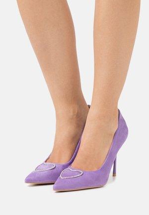 ALEZIO - Klassieke pumps - lilac